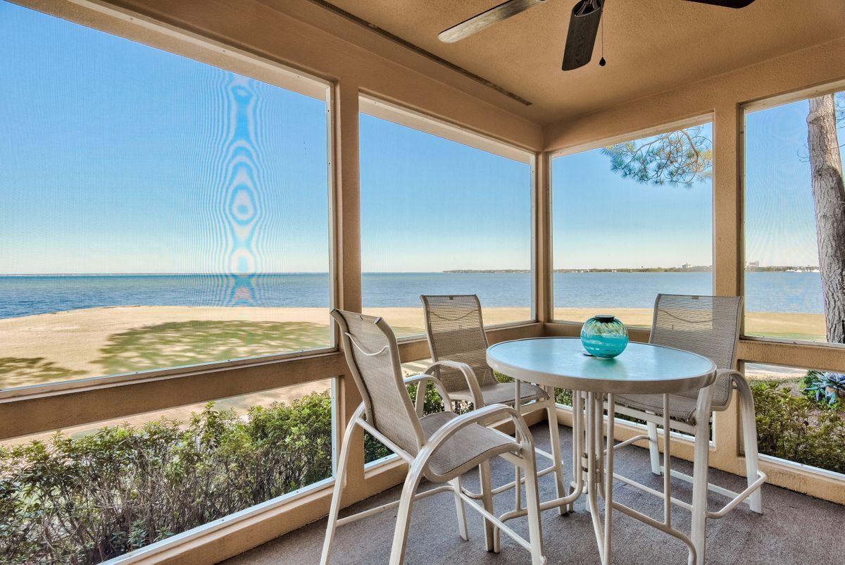 Photo of home for sale at 33 Vantage, Miramar Beach FL