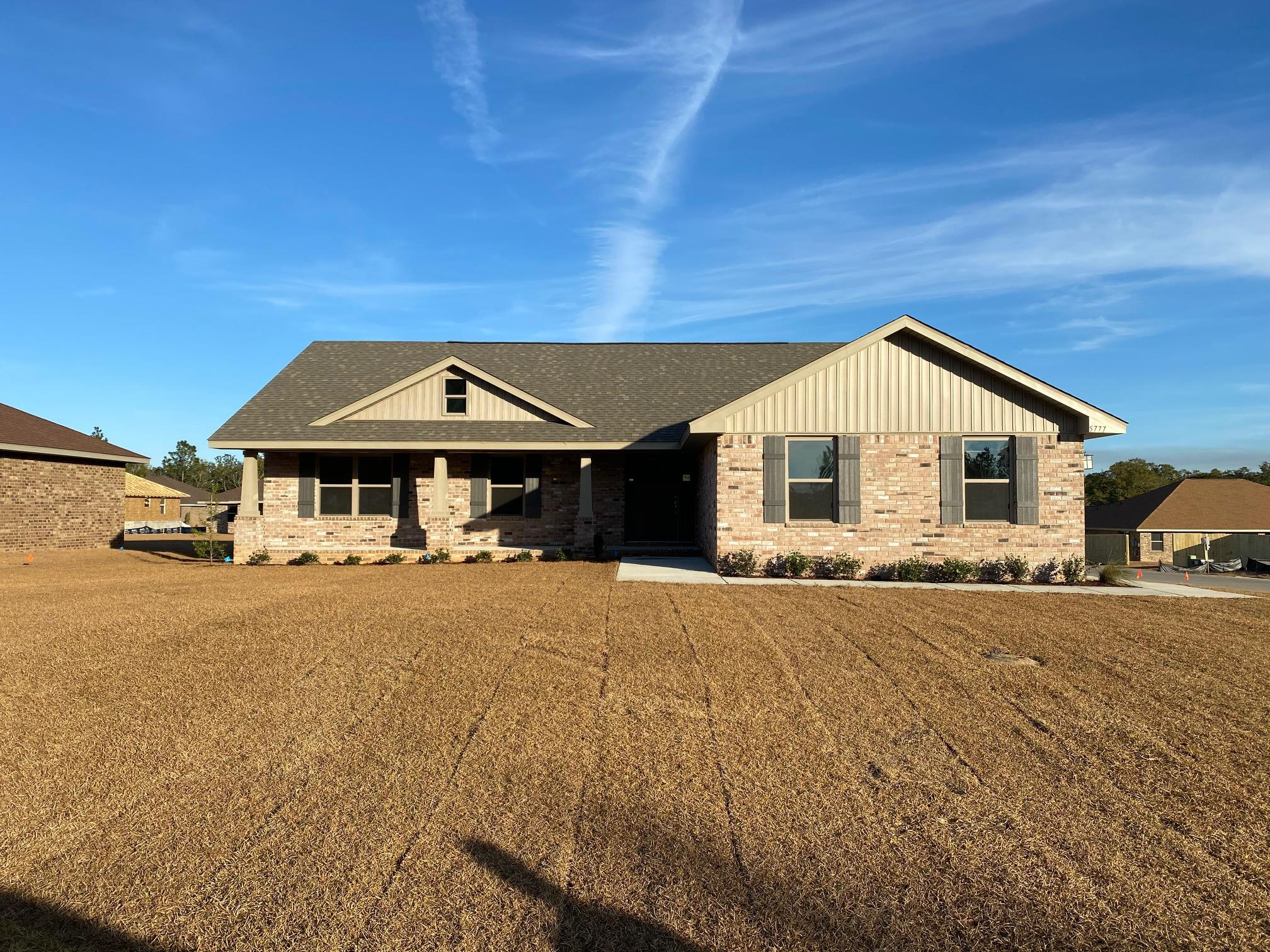 Photo of home for sale at 5777 Dogwood, Crestview FL