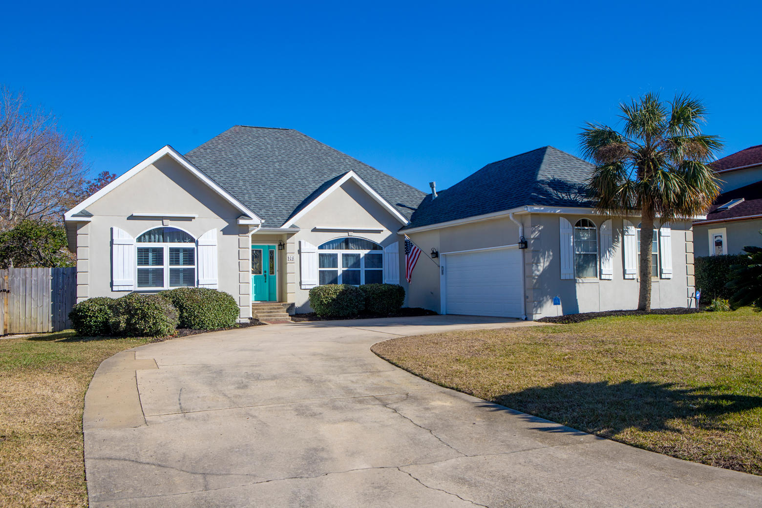 Photo of home for sale at 149 Shoreline, Mary Esther FL