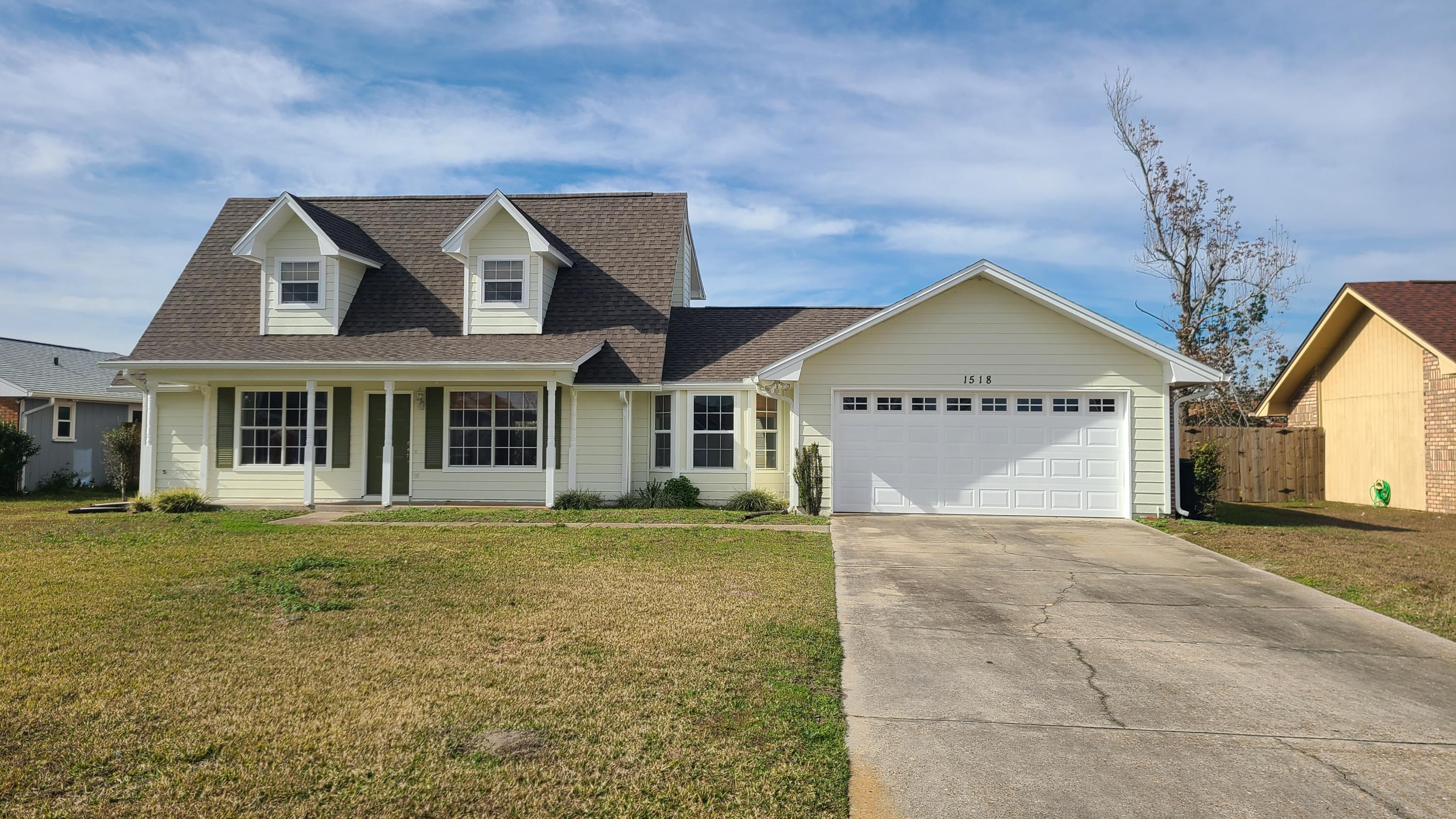 Photo of home for sale at 1518 Bluegrass, Lynn Haven FL