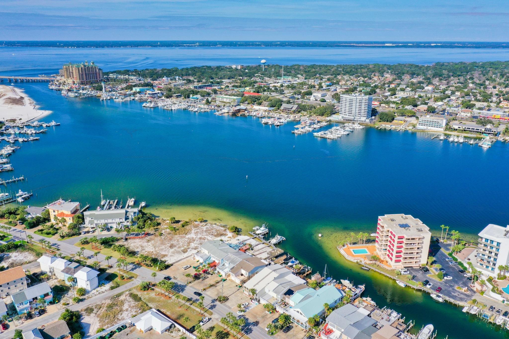 Photo of home for sale at 415 Gulf Shore, Destin FL