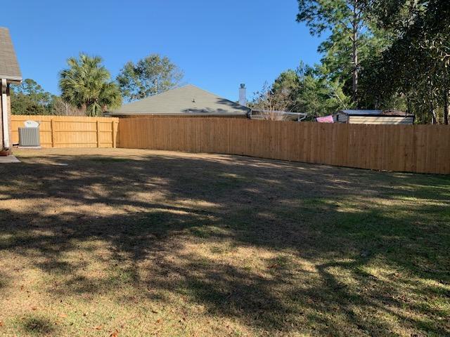 Photo of home for sale at 6981 Brighton Oaks, Navarre FL