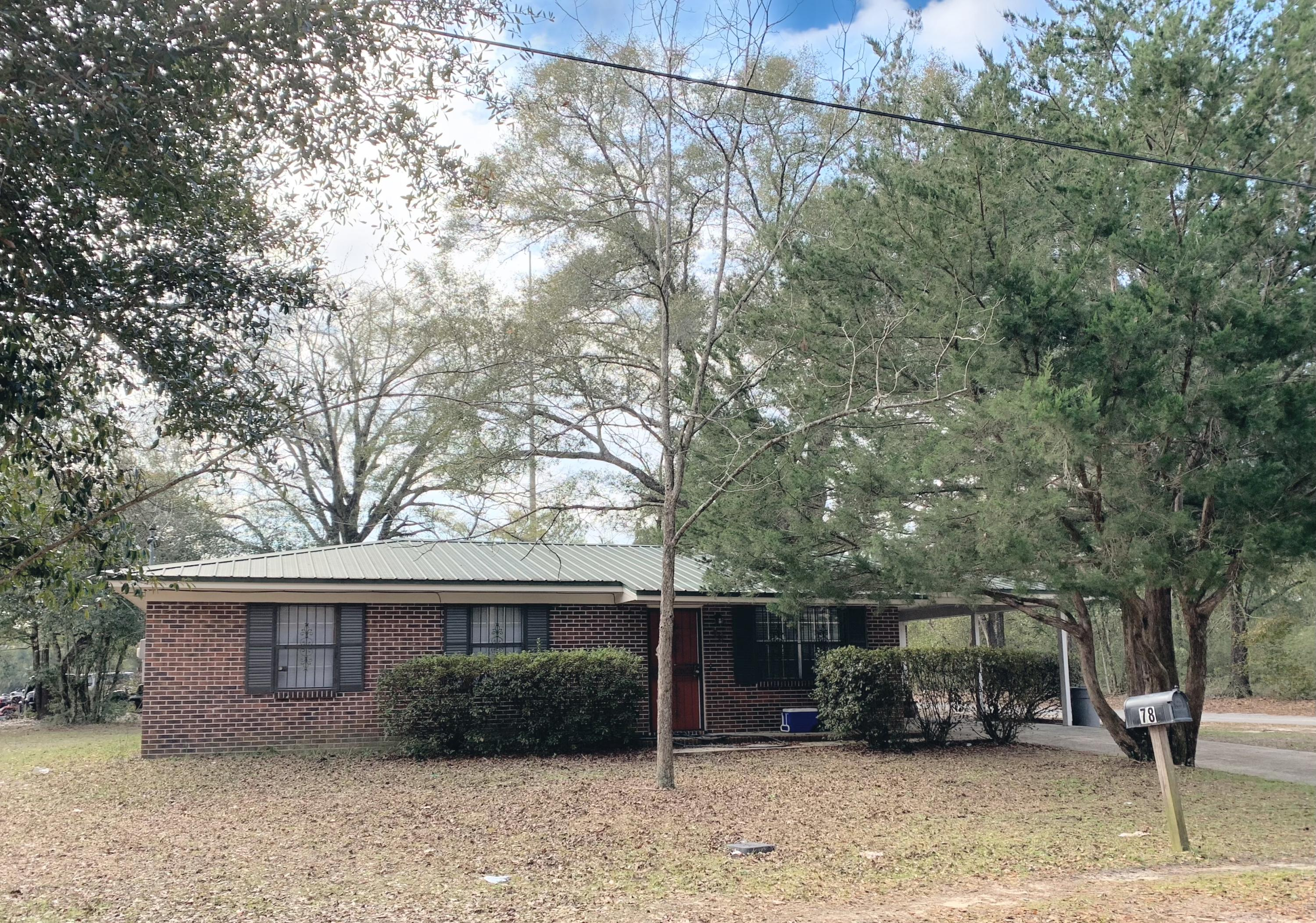 Photo of home for sale at 78 Roosevelt, Defuniak Springs FL