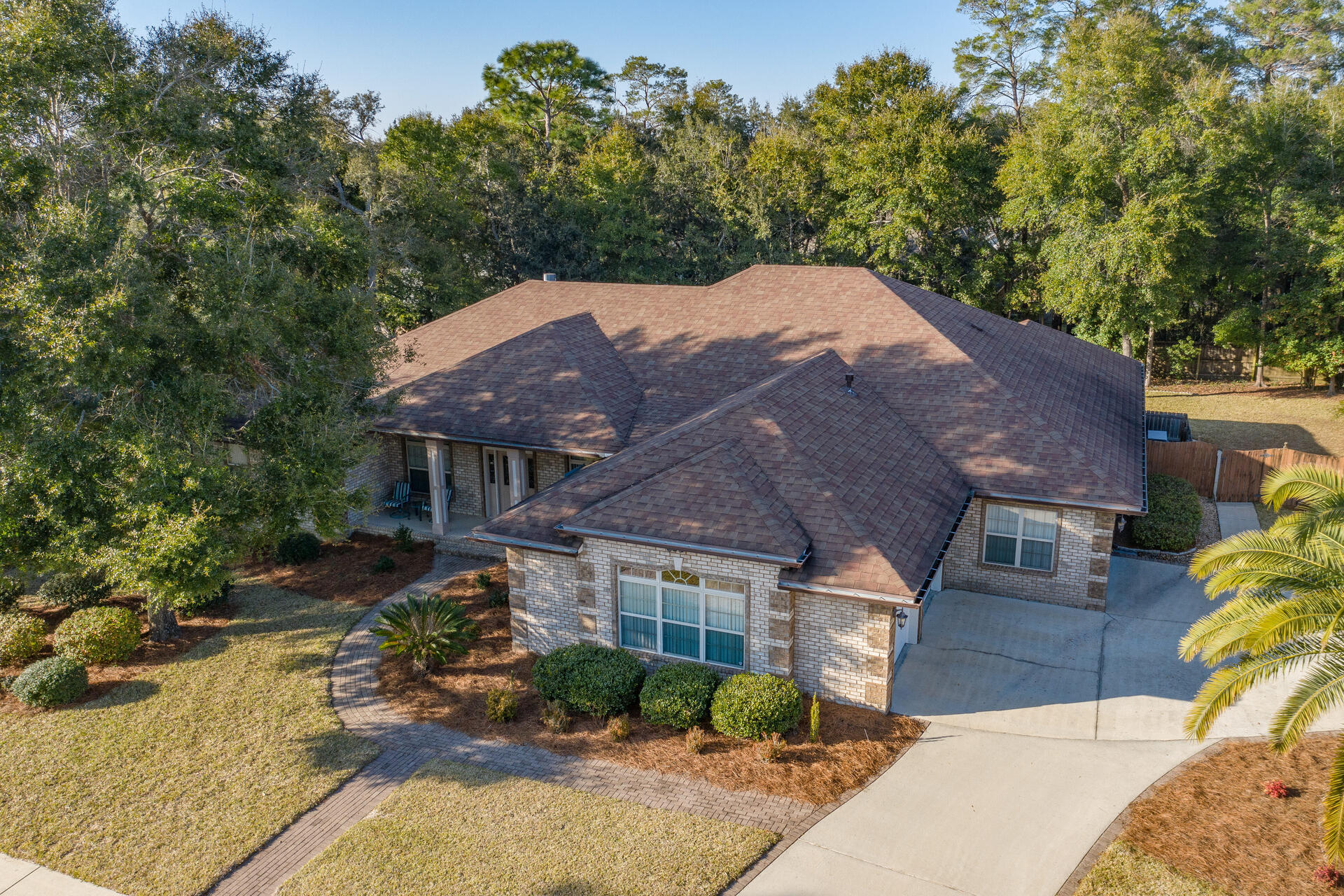 Photo of home for sale at 1701 Narrow Creek, Niceville FL