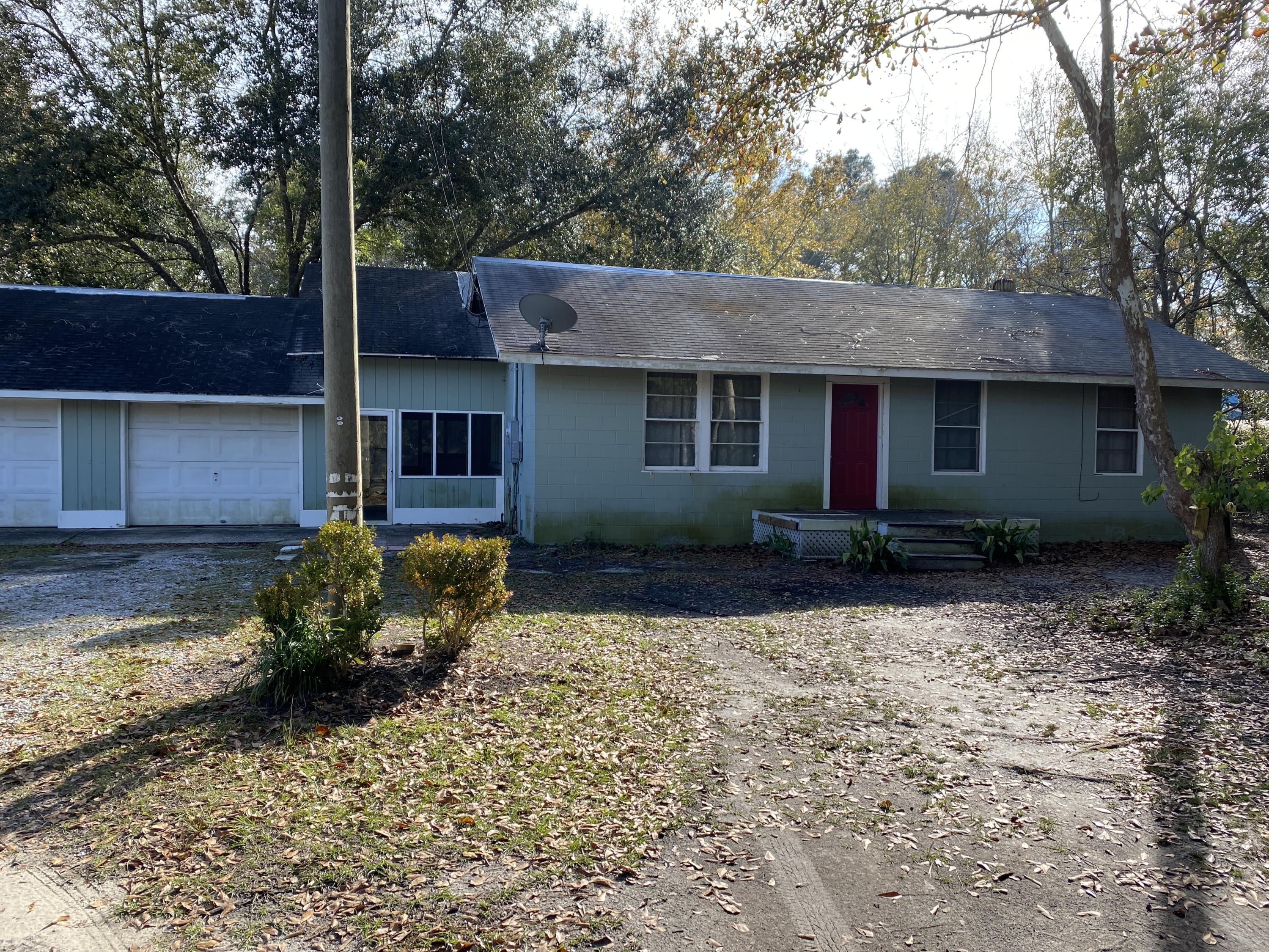 Photo of home for sale at 1315 Chat Holly, Santa Rosa Beach FL