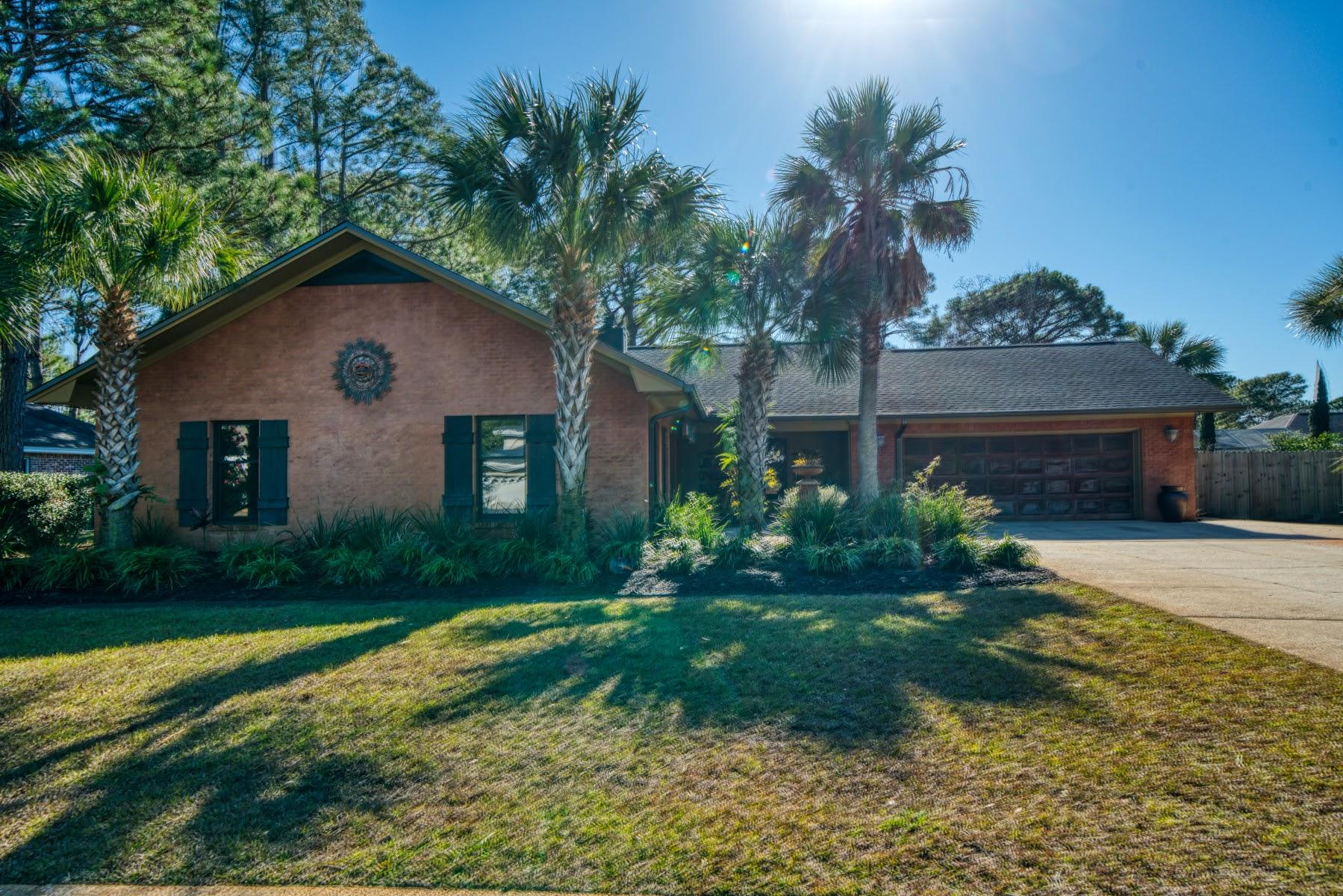 Photo of home for sale at 8 Country Club, Destin FL