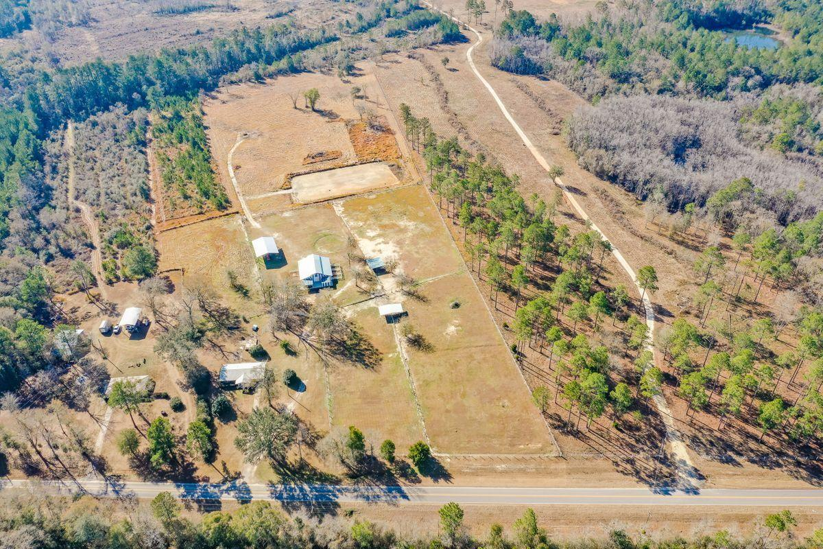 Photo of home for sale at 4439 Co Hwy 2, Laurel Hill FL