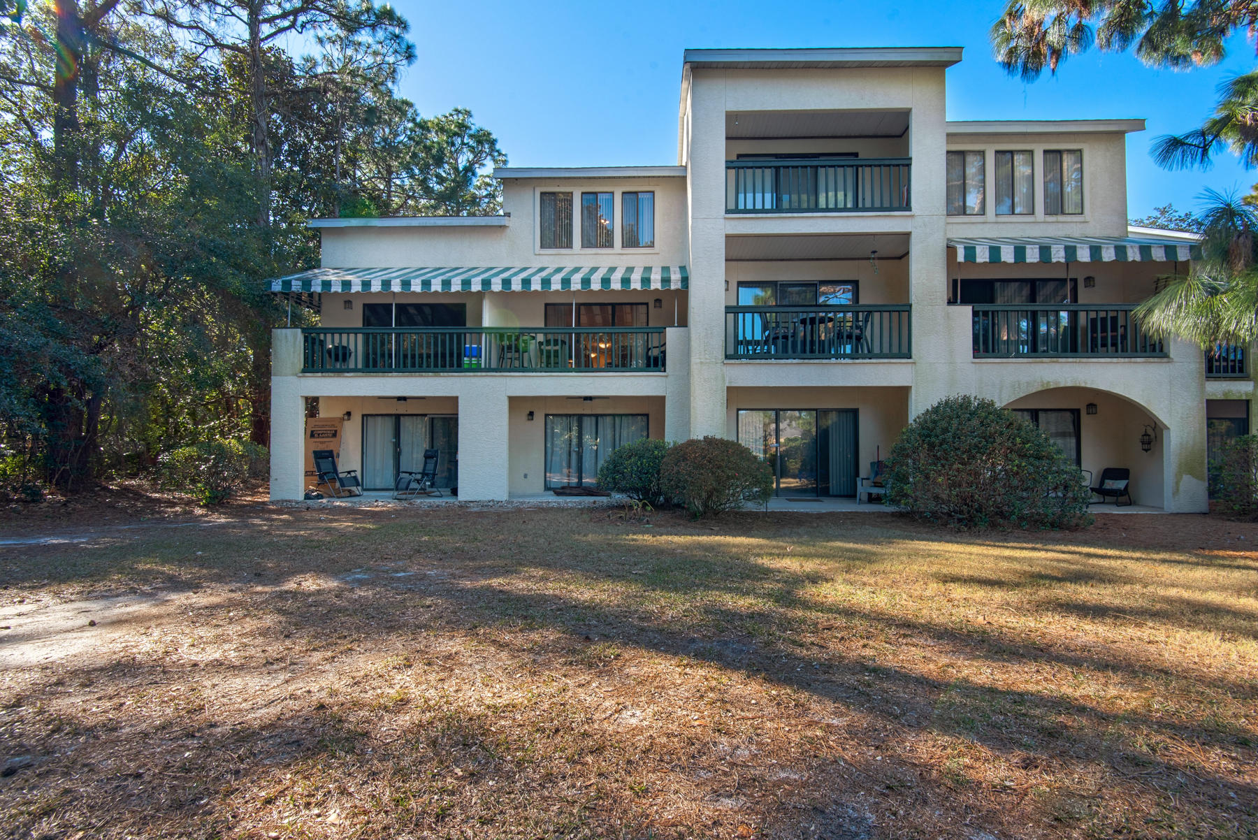 Photo of home for sale at 312 Southlake, Niceville FL