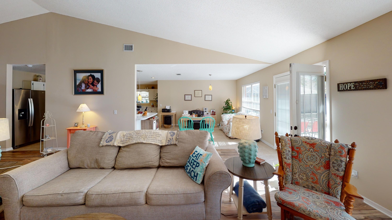 Photo of home for sale at 7025 Calle Cabeza De Vaca, Navarre FL