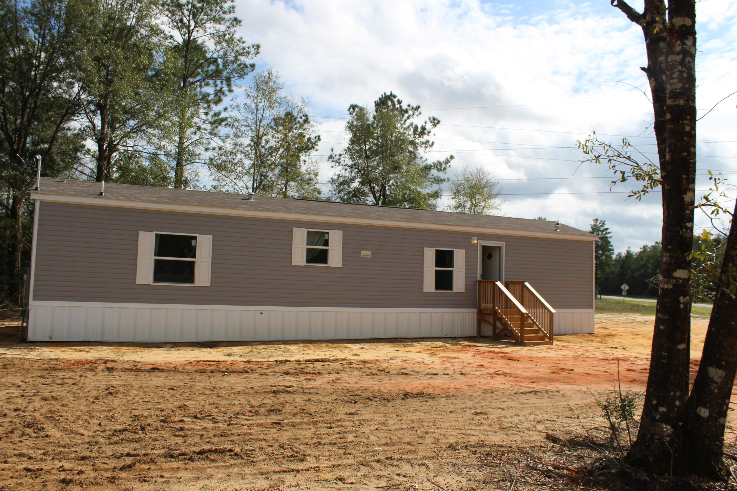Photo of home for sale at 5285 Kervin, Crestview FL
