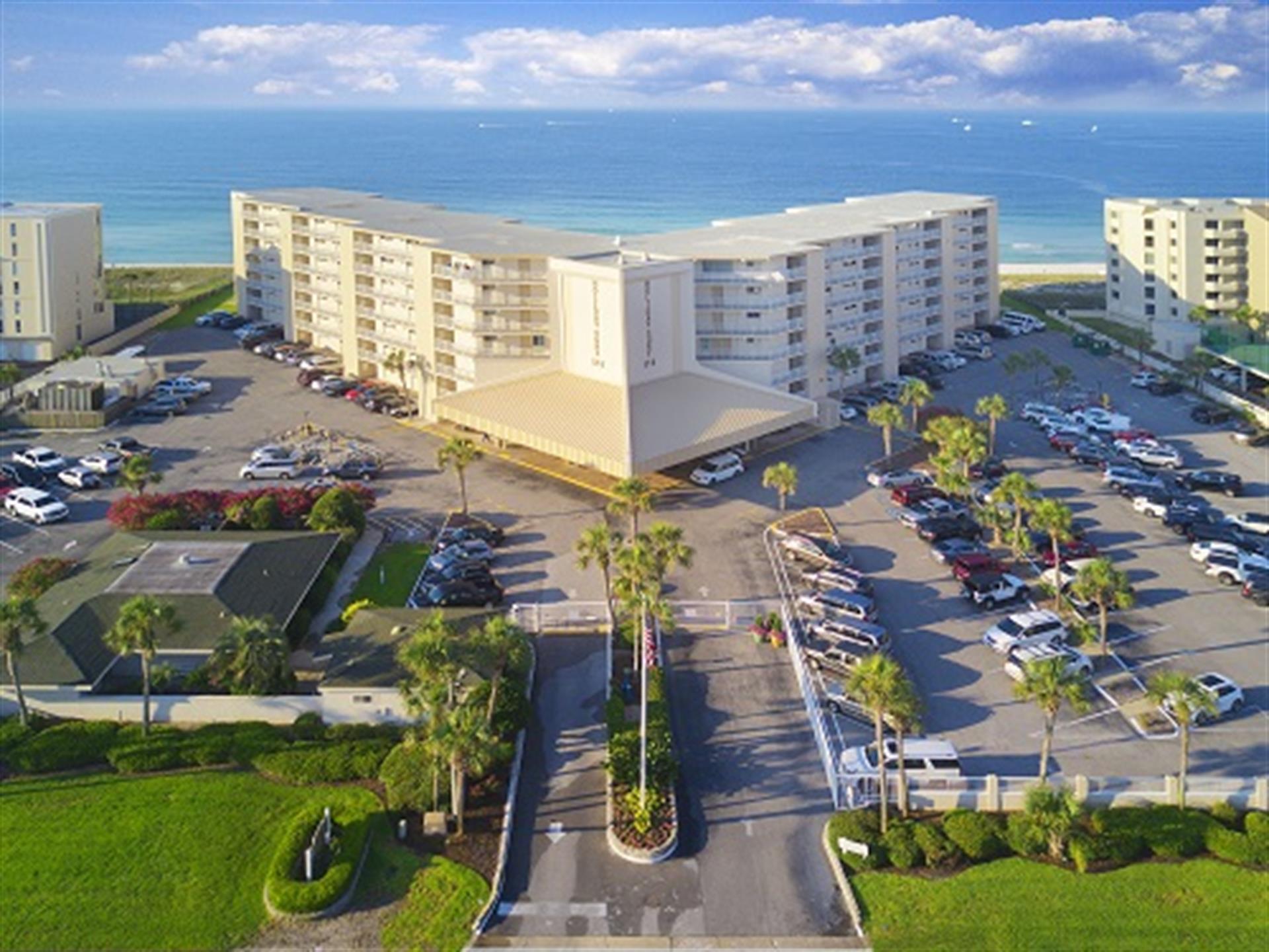Photo of home for sale at 510 Gulf Shore, Destin FL