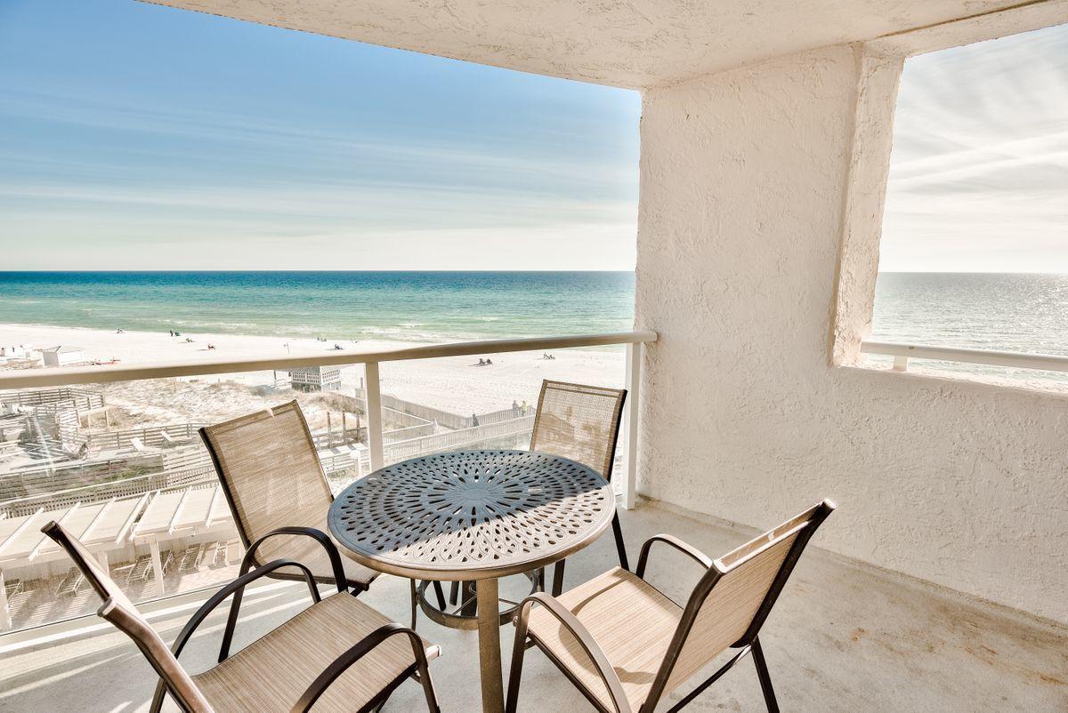 A 2 Bedroom 1 Bedroom Beachside Two Condominium
