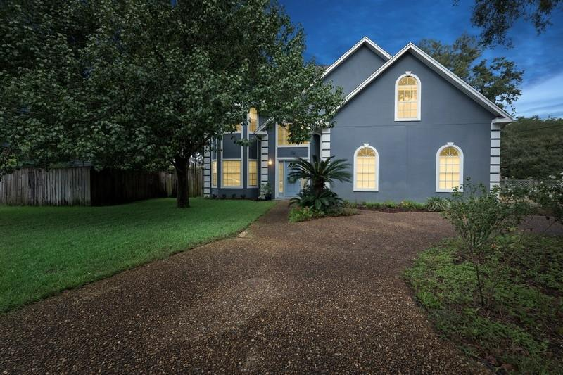 Photo of home for sale at 102 Hands Cove, Shalimar FL