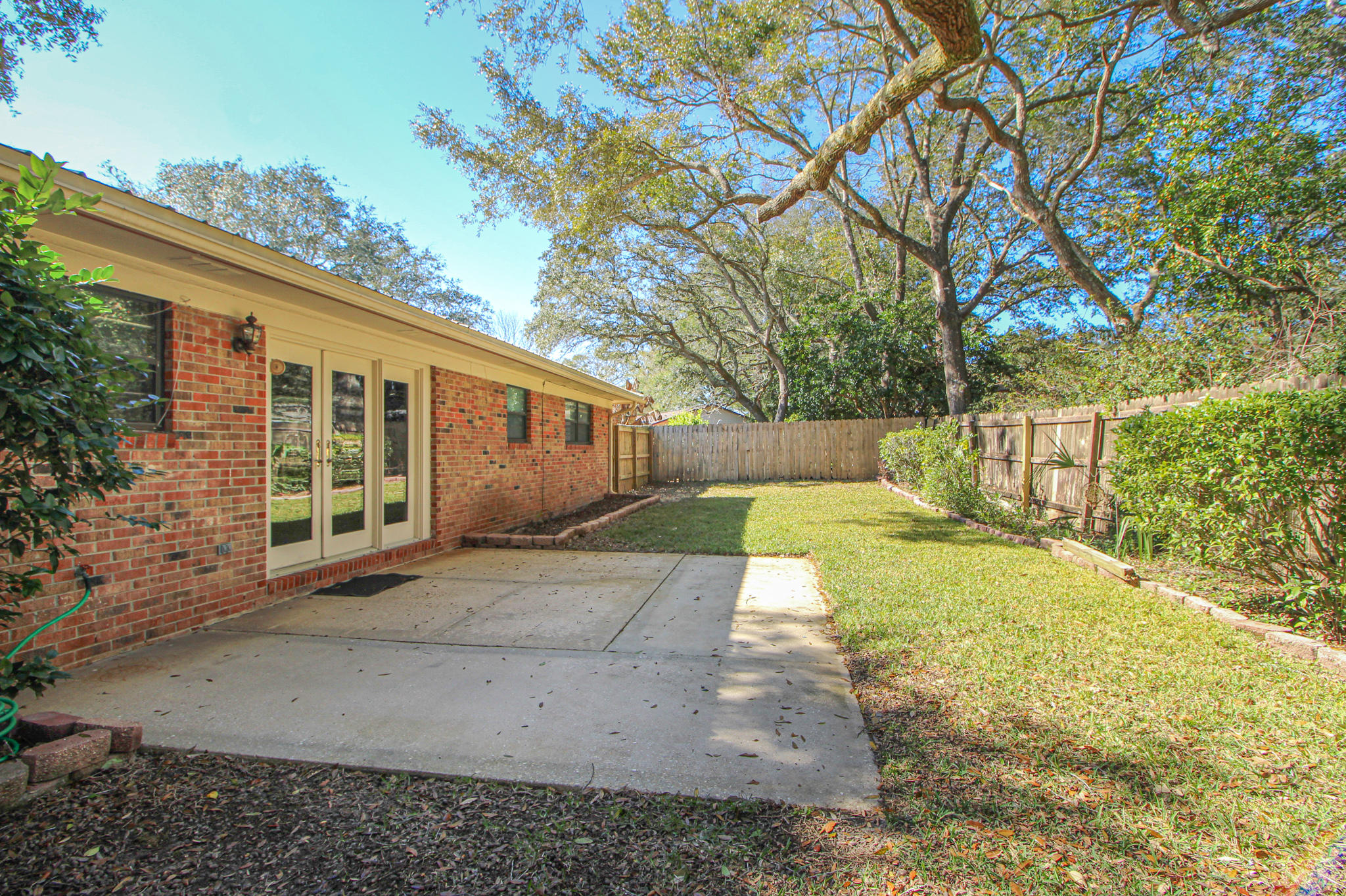 Photo of home for sale at 17 Higdon, Fort Walton Beach FL