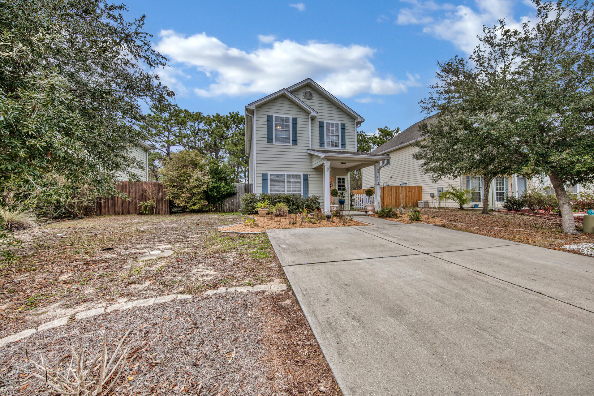 Photo of home for sale at 172 Water Oaks, Santa Rosa Beach FL
