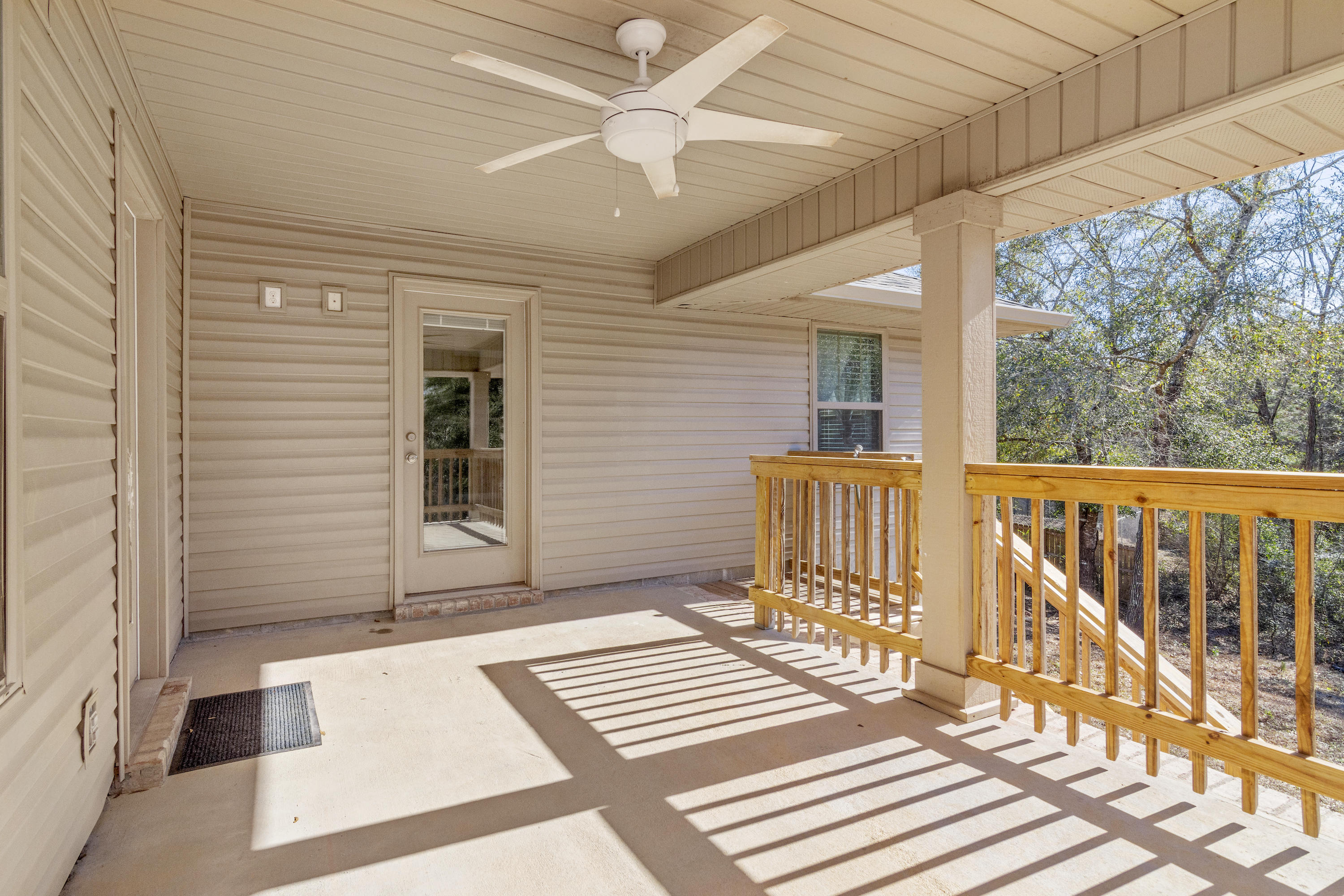 Photo of home for sale at 205 Silverton, Crestview FL