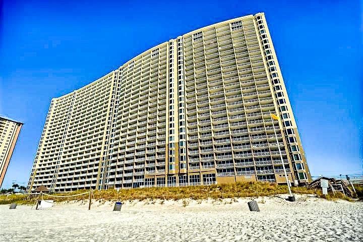 A 1 Bedroom 2 Bedroom Emerald Beach Resort Condominium