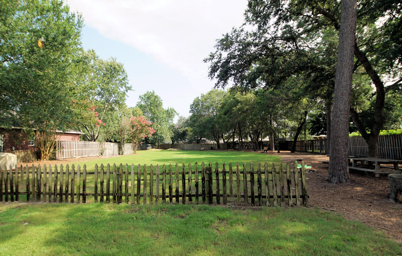 Photo of home for sale at 4571 Castlewood, Niceville FL