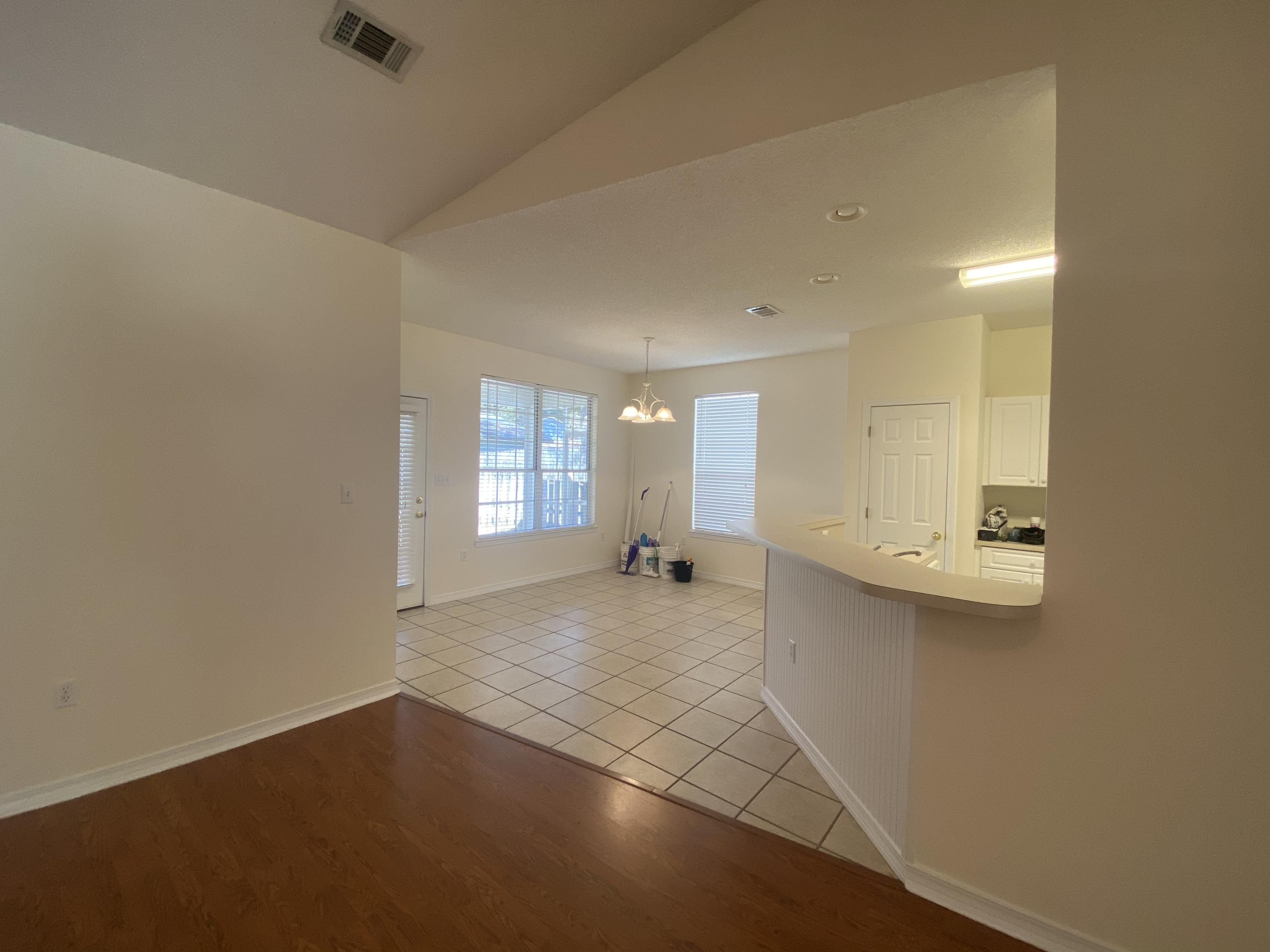 Photo of home for sale at 5 Coolwater, Niceville FL