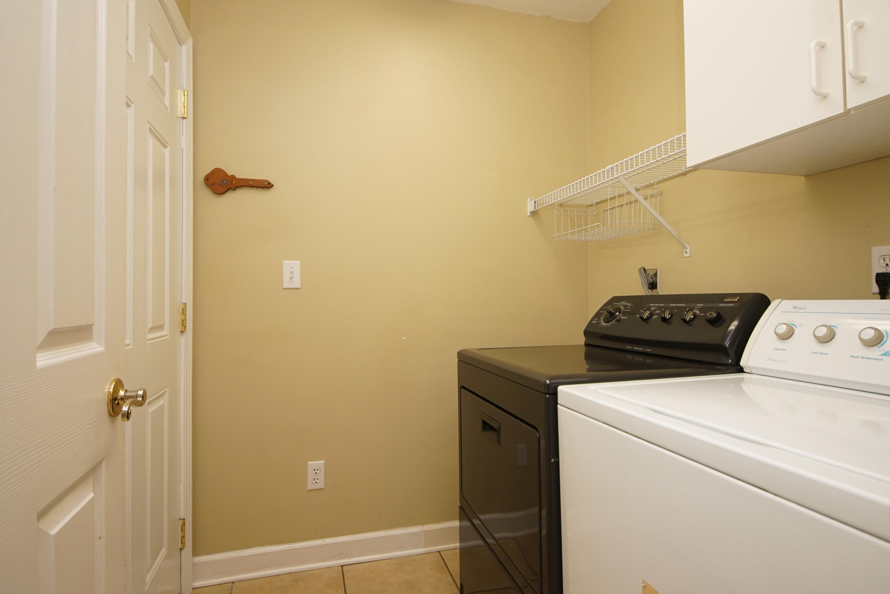 Photo of home for sale at 449 Forest Glen, Mary Esther FL