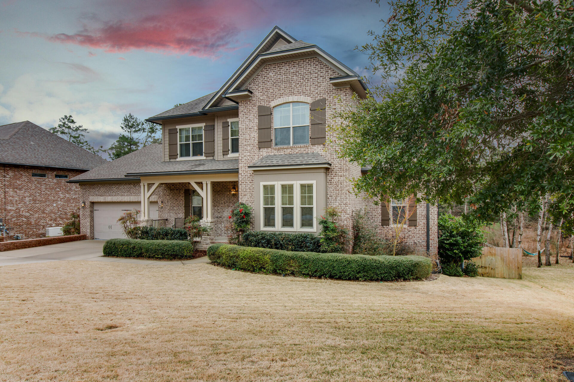 Photo of home for sale at 342 Grove Park, Niceville FL