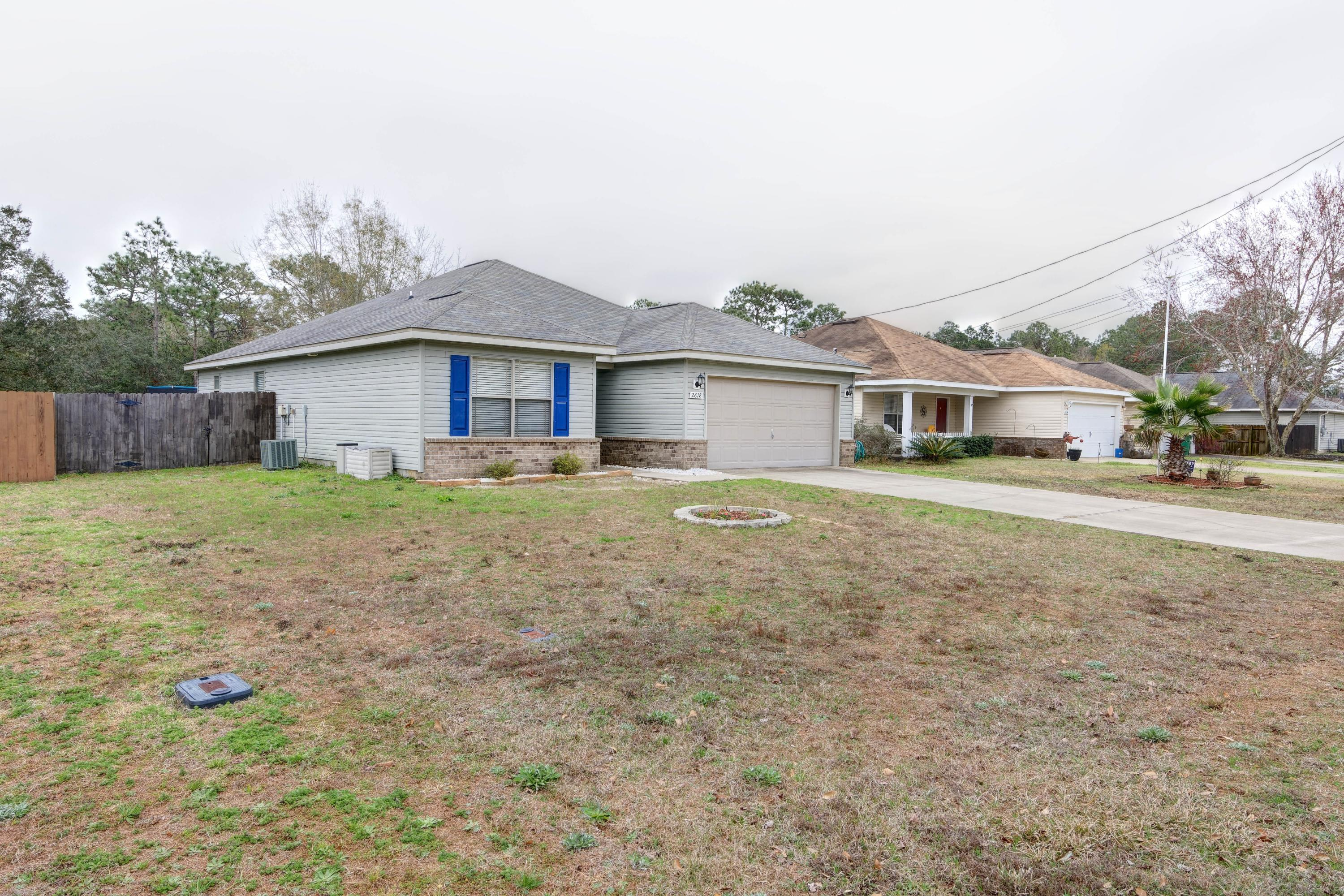 Photo of home for sale at 2618 Salamanca, Navarre FL