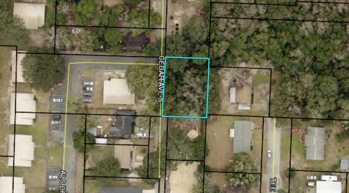 Photo of home for sale at xx Cedar, Niceville FL