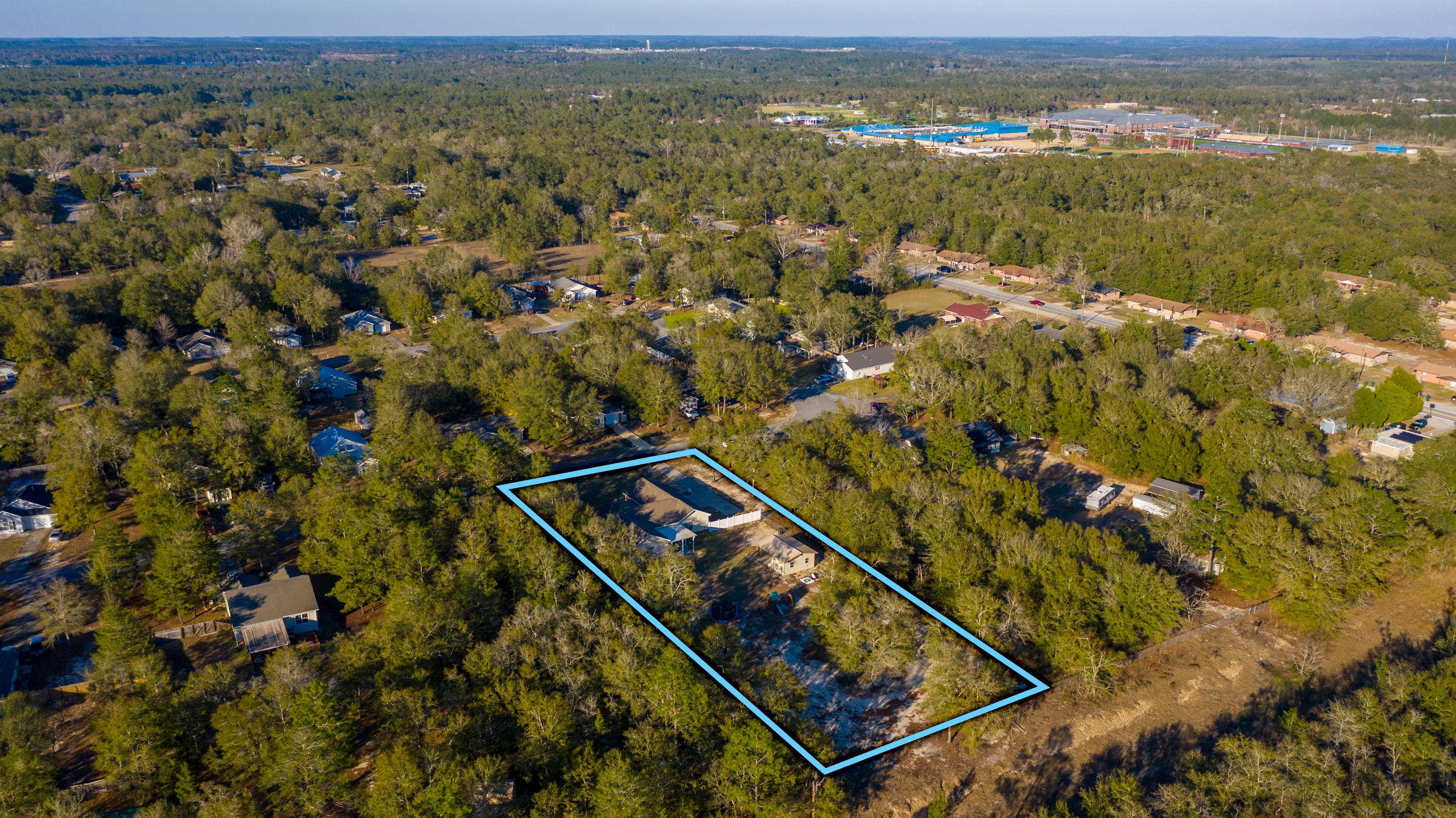 Photo of home for sale at 419 Timber Wind Drive, Defuniak Springs FL