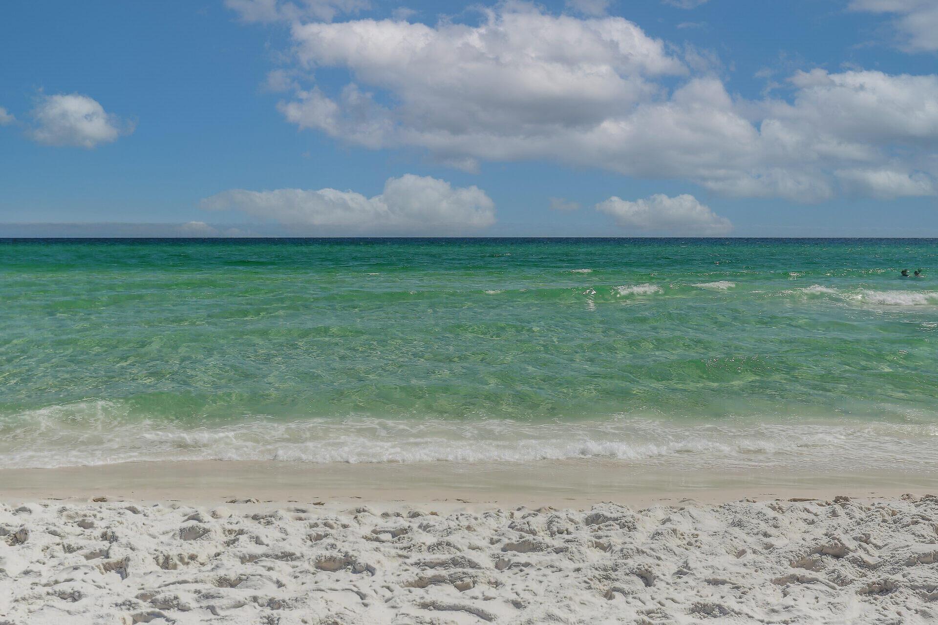 Photo of home for sale at 520 Santa Rosa, Fort Walton Beach FL
