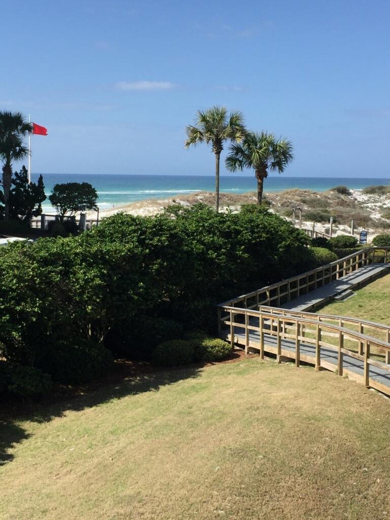 Photo of home for sale at 11 Beachside, Santa Rosa Beach FL