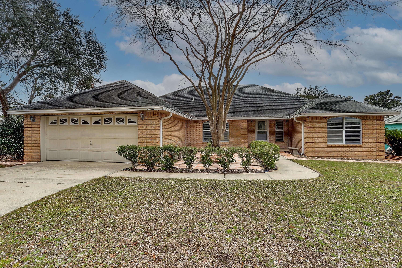 Photo of home for sale at 8909 Binnacle, Navarre FL