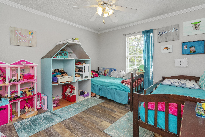 Photo of home for sale at 4244 Otterlake, Niceville FL