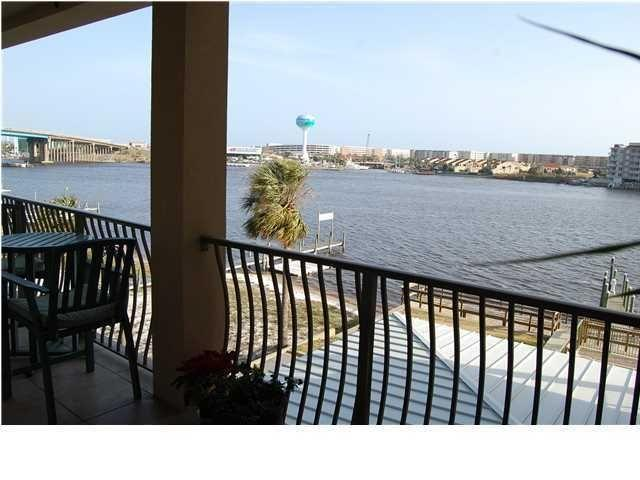 Photo of home for sale at 187 Brooks, Fort Walton Beach FL