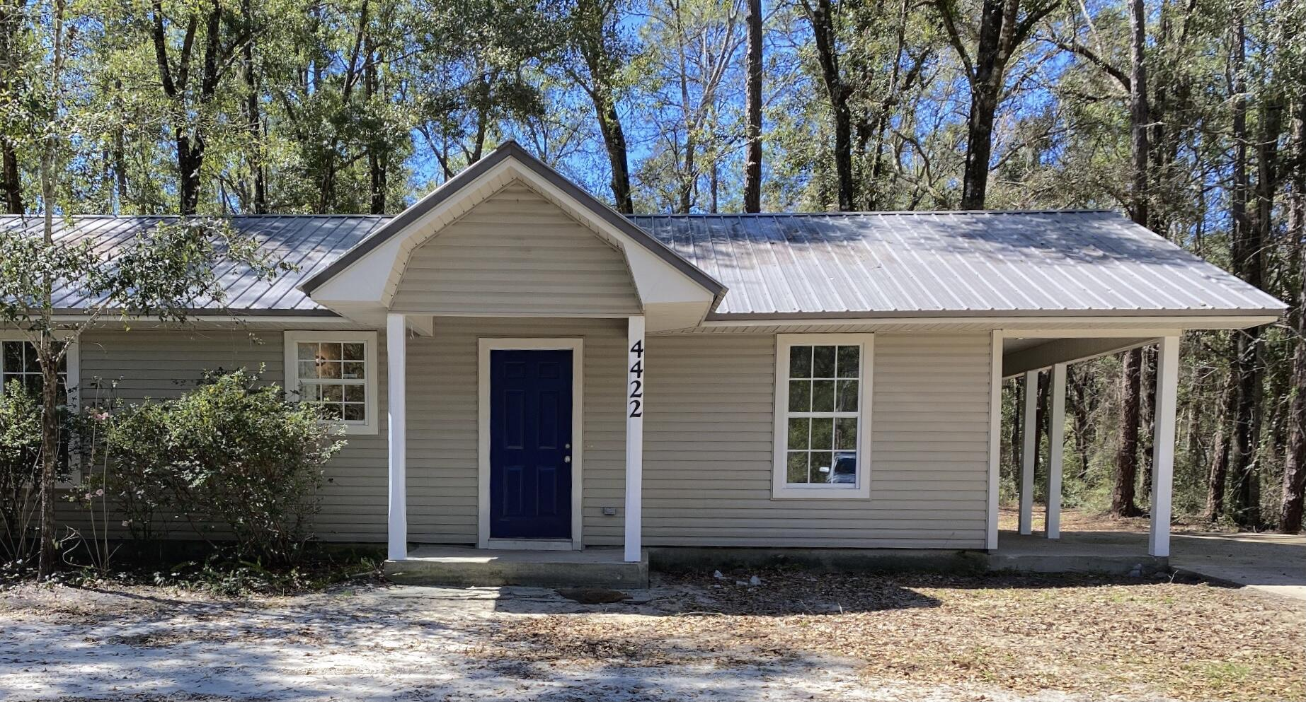 Photo of home for sale at 4422 Co Hwy 3280, Freeport FL
