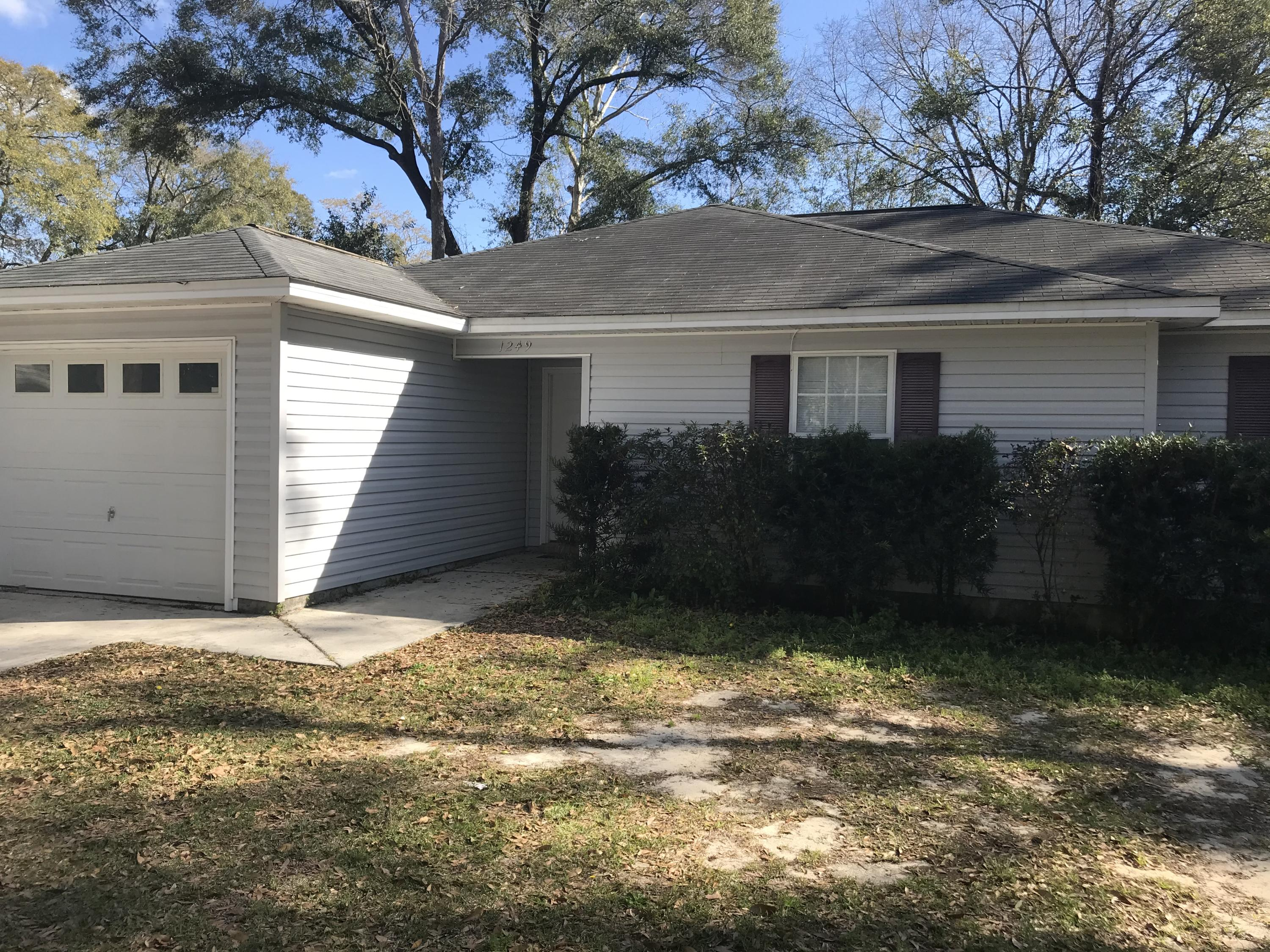 Photo of home for sale at 1249 1st, Crestview FL