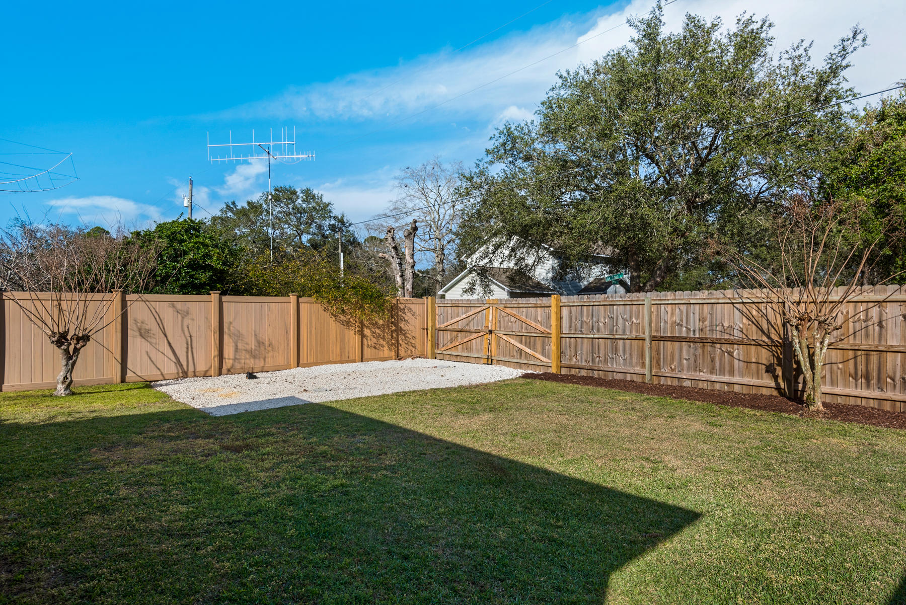 Photo of home for sale at 4237 Shadow, Niceville FL