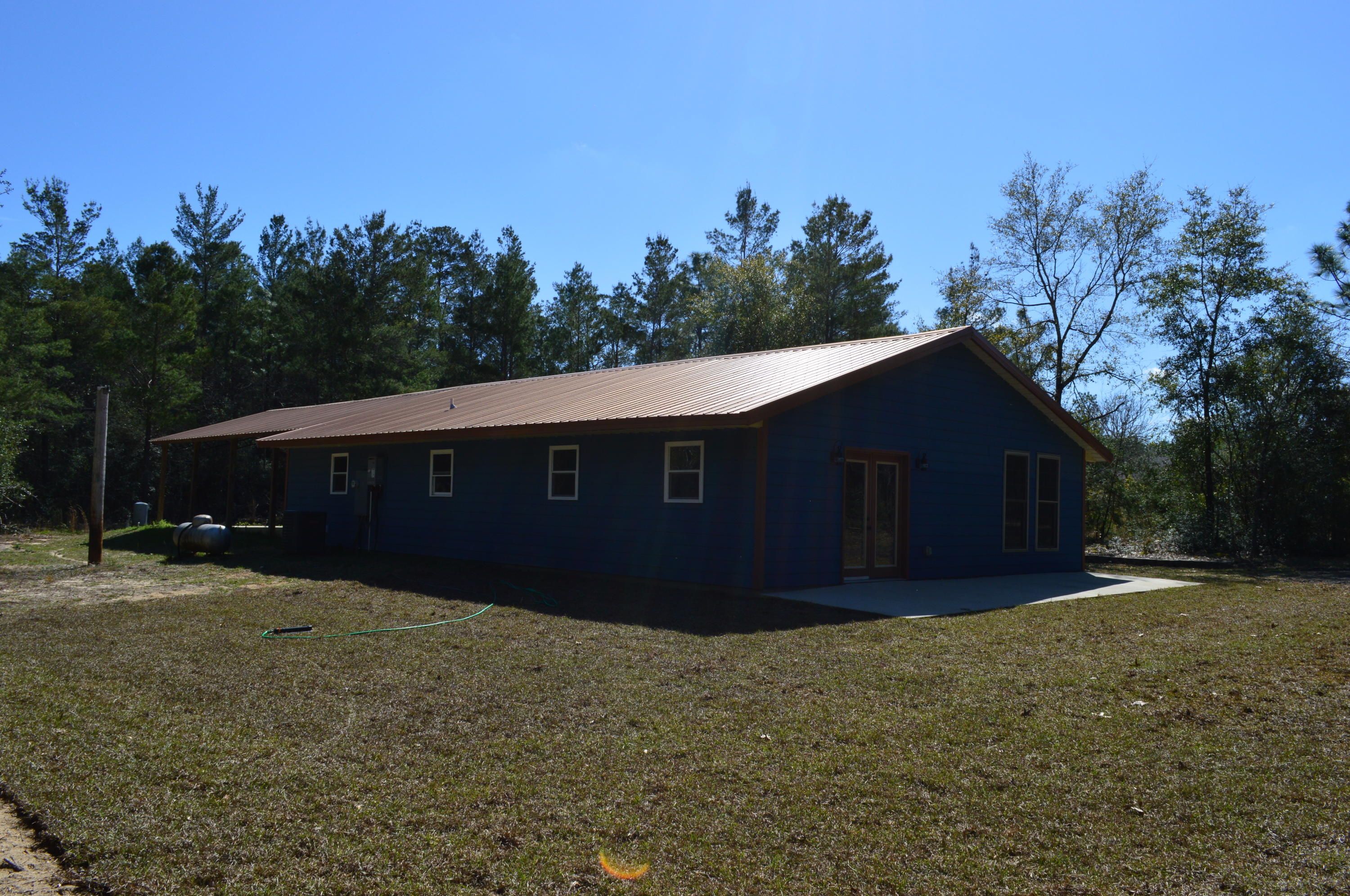 Photo of home for sale at 108 Wood Wren, Crestview FL