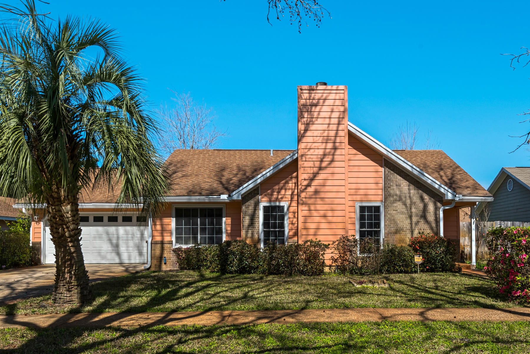 Photo of home for sale at 539 Sibert, Destin FL