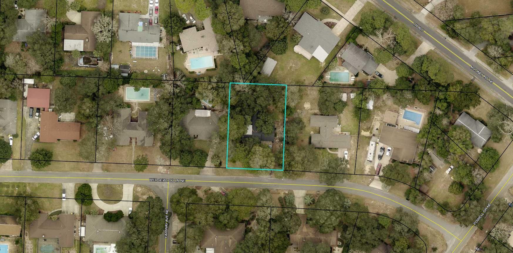 Photo of home for sale at 15 Wedgewood, Fort Walton Beach FL