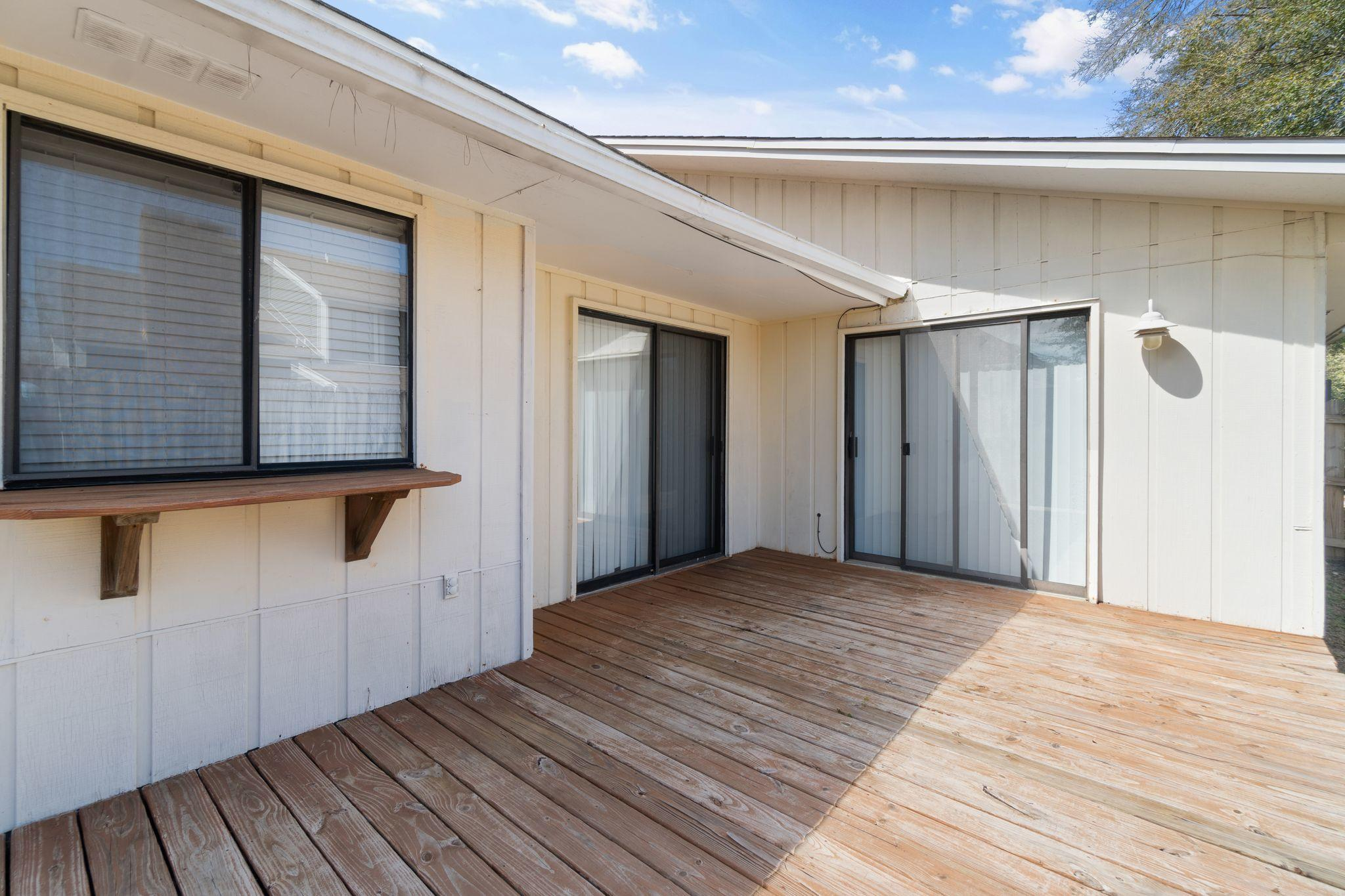 Photo of home for sale at 86 Cutter, Shalimar FL