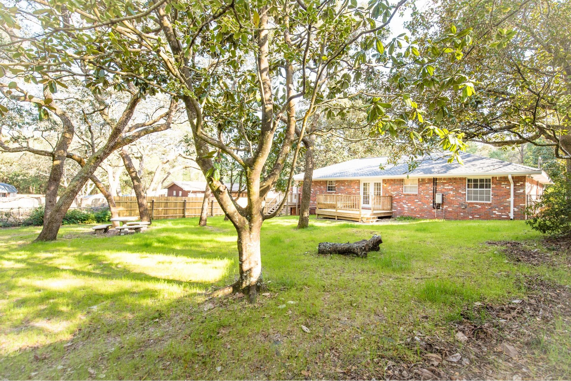 Photo of home for sale at 316 Michigan, Valparaiso FL