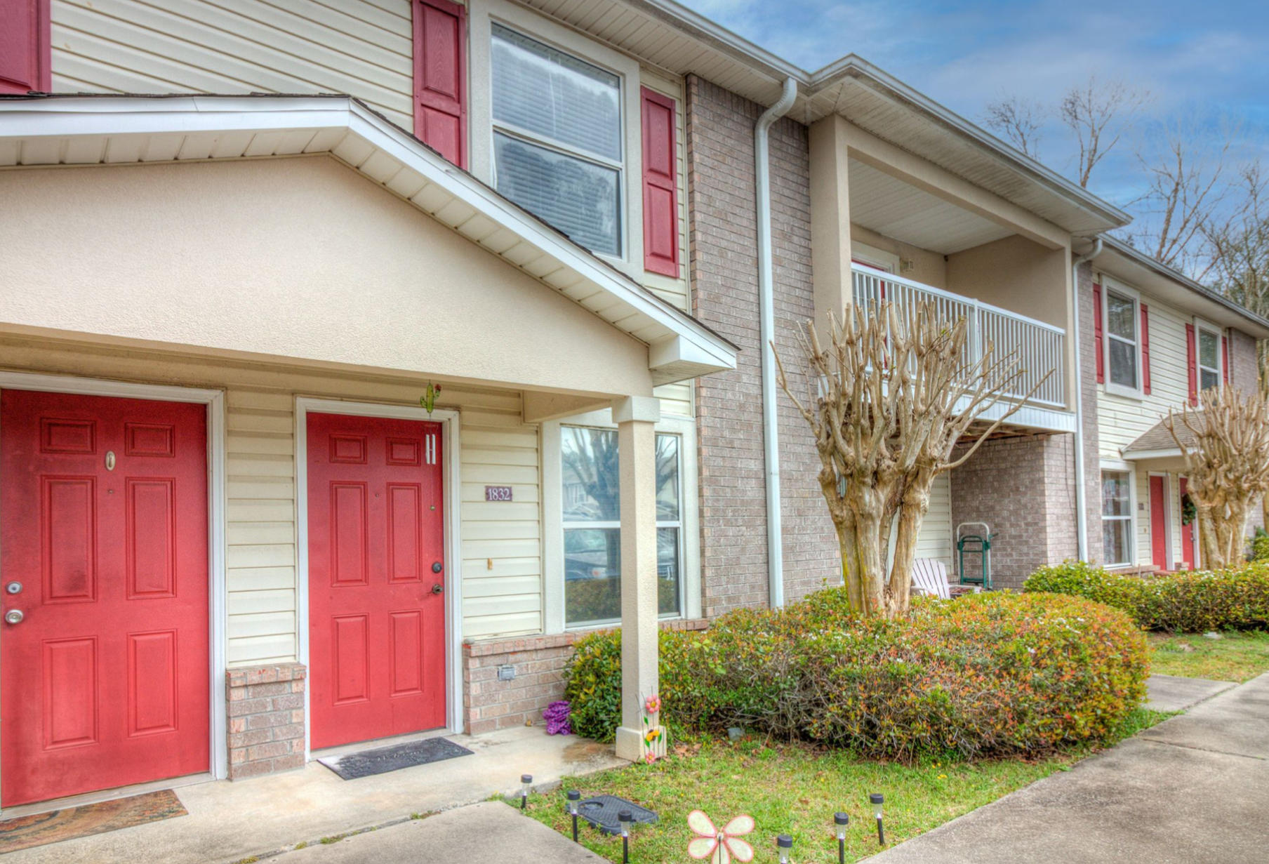 A 2 Bedroom 2 Bedroom Shay Lin T/h Townhome