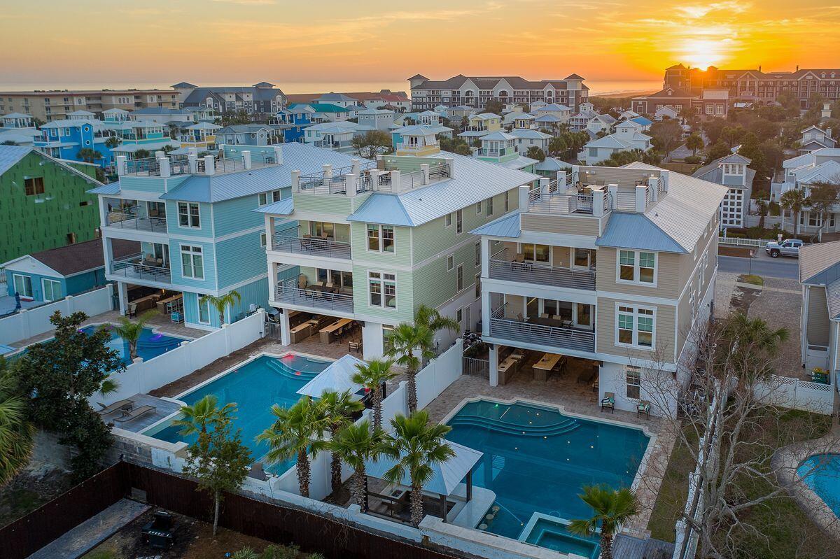 Photo of home for sale at 89 Shirah, Destin FL