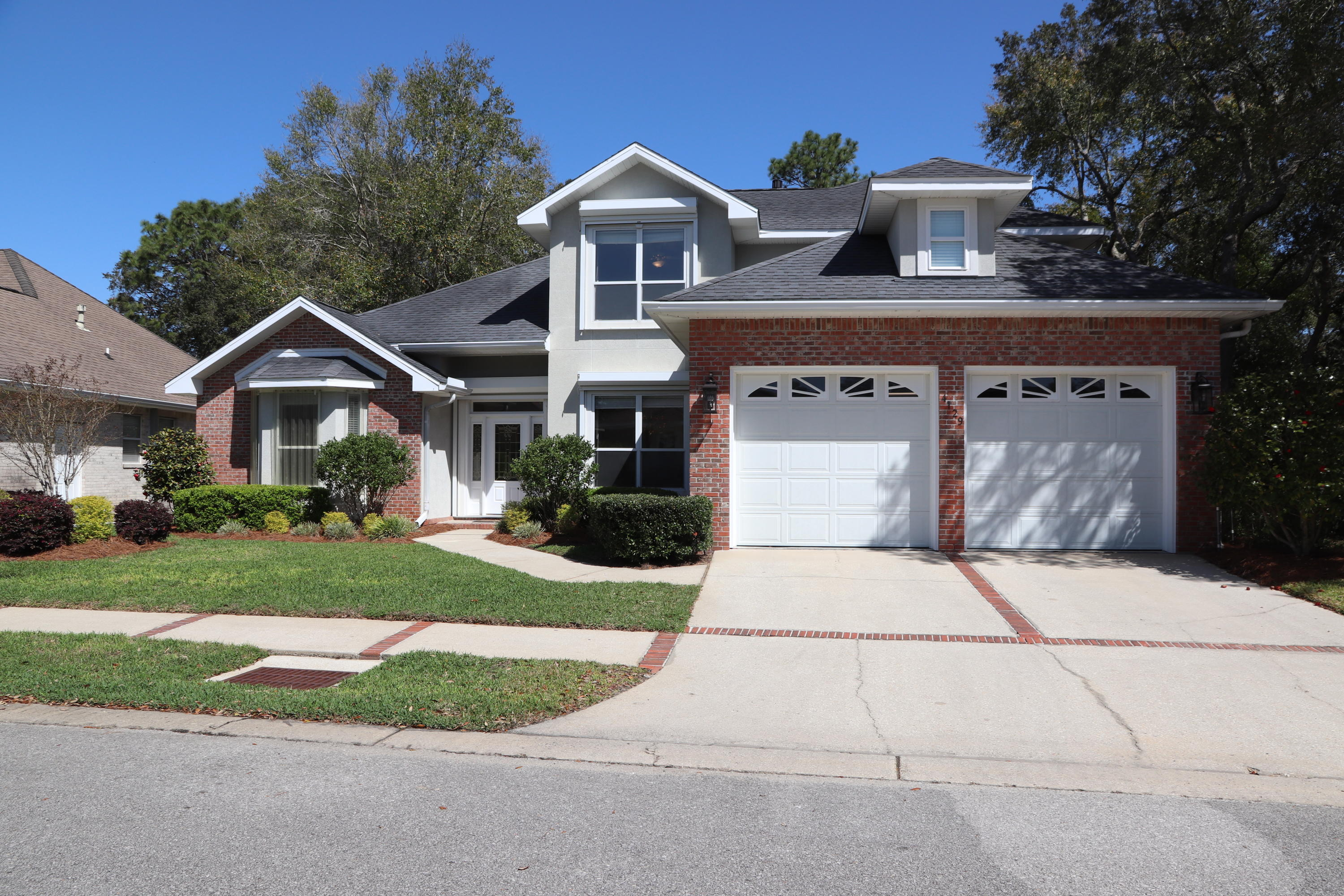Photo of home for sale at 4129 Callaway, Niceville FL