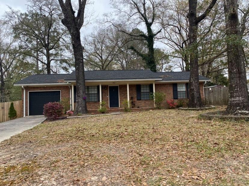 Photo of home for sale at 1706 Lloyd, Crestview FL