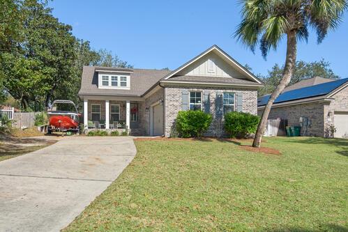 Photo of home for sale at 419 Sibert, Destin FL