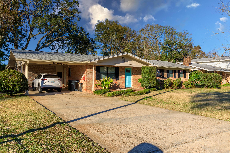 Photo of home for sale at 227 Sotir, Fort Walton Beach FL
