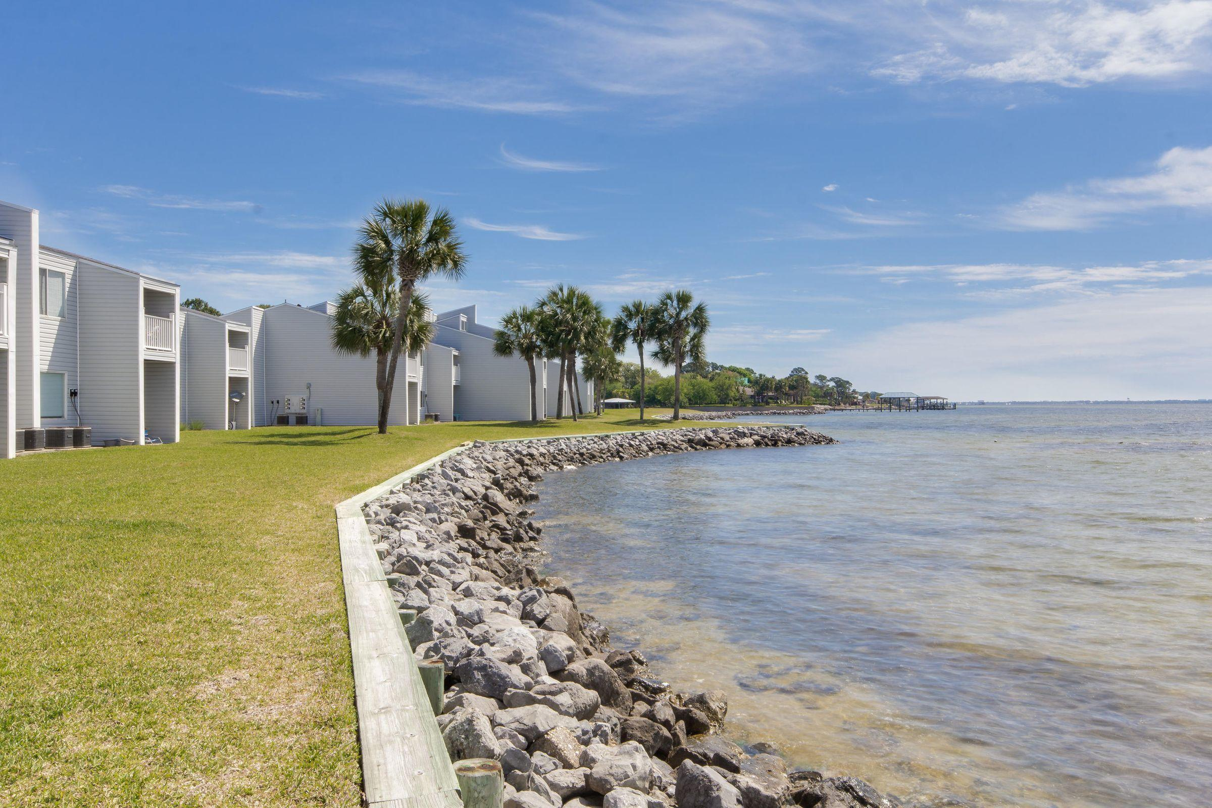 Photo of home for sale at 101 Old Ferry, Shalimar FL