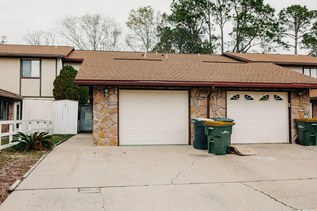 Photo of home for sale at 355 Honey, Fort Walton Beach FL