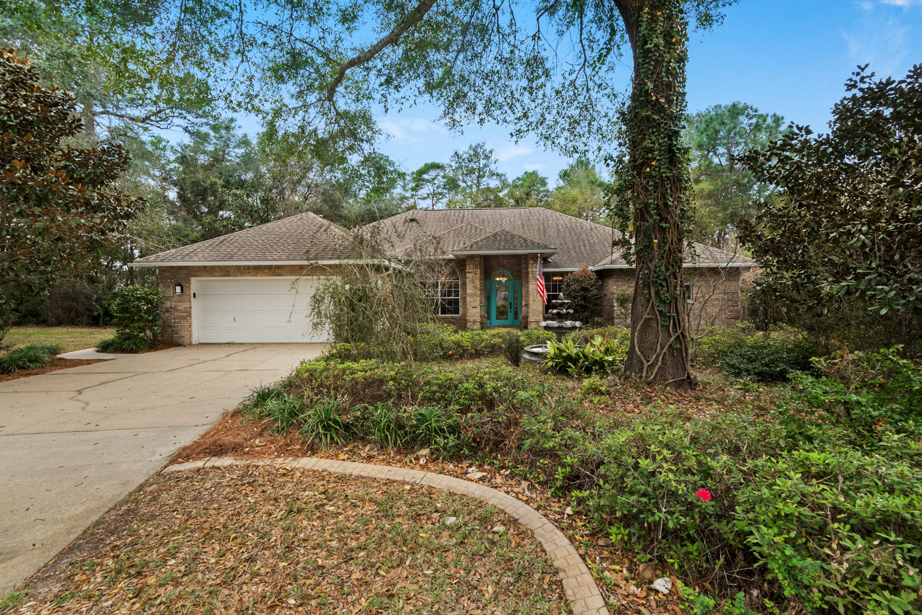 Photo of home for sale at 427 Bally, Niceville FL